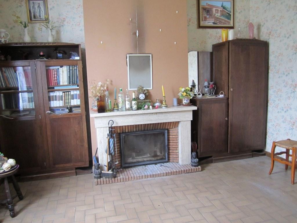 vide maison suite succession antiquit brocante. Black Bedroom Furniture Sets. Home Design Ideas