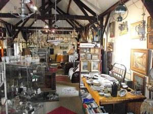 Vide magasin antiquites brocante