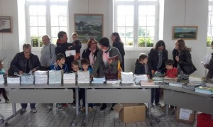 29 : Le Faou - Vente de livres pour enfants